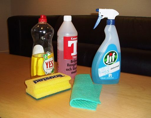 How to Clean Your House in Less Than an Hour